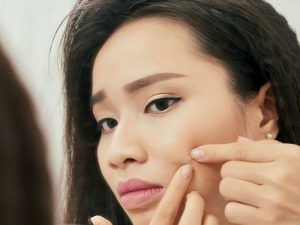 This Woman S Pimple Popping Leads To Staph Infection