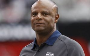 Pro Football Hall of Fame inductee Warren Moon sued for…
