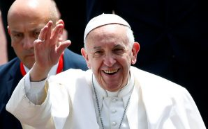 Vatican tries to defuse scandal, says pope meets victims