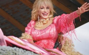 Dolly Parton announces a 'Season of Showstoppers' at Dollywood