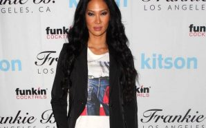 Kimora Lee Simmons is now a graduate !