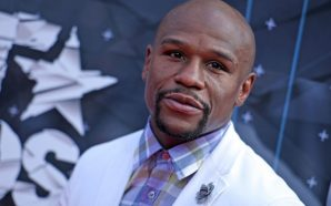 Check out Floyd Mayweather's $20k gift from his assistant