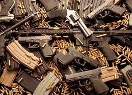 Convicted felon found with more than 550 guns in his…