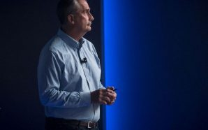 Intel CEO resigns