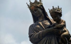 Watch: The Virgin Mary crying olive oil tears, people come…