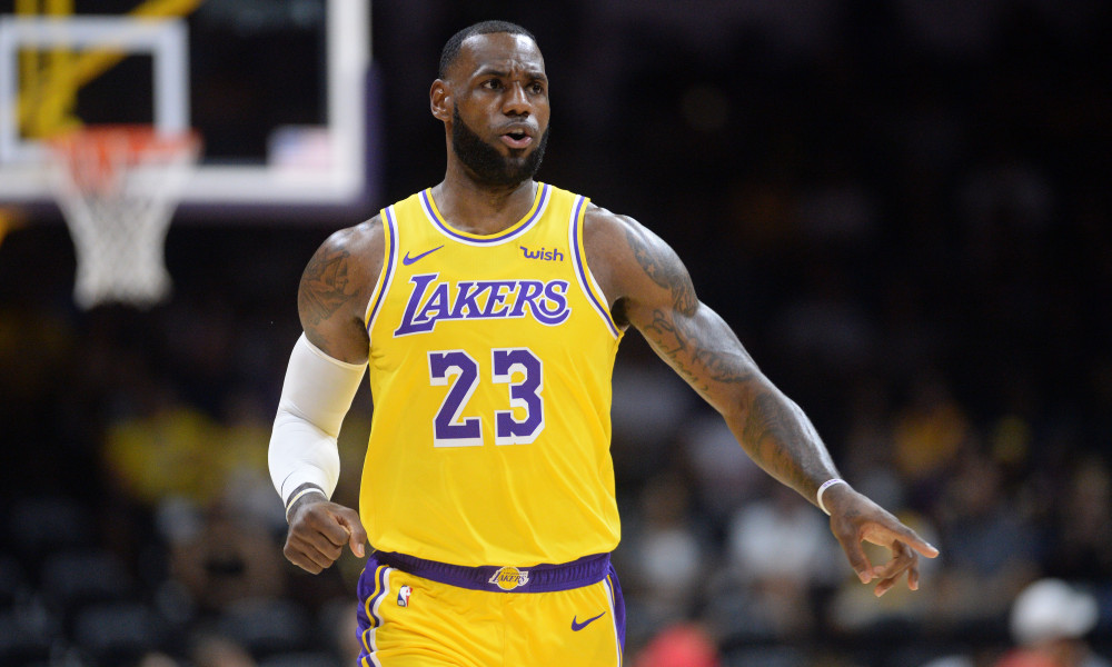 9eef938f17a Watch  LeBron James ignites crowd in Los Angeles Lakers preseason ...