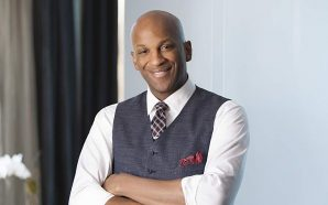 Donnie McClurkin Was In A Bad Accident Last Night! Prayers…