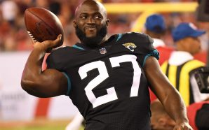Watch: LEONARD FOURNETTE THREATENS HECKLER DURING GAME 'Imma Beat Your…