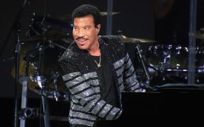 Lionel Richie Announces New Live Album and Tour!