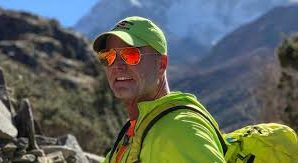 Father dies on Mount Everest after joining 'Seven Summits Club'