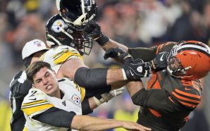 NFL Players Reacting To Myles Garrett Hitting Steelers QB With…